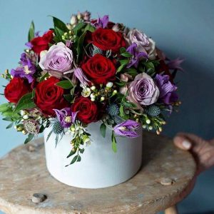 Wild Frost Florist Hat Box with Roses